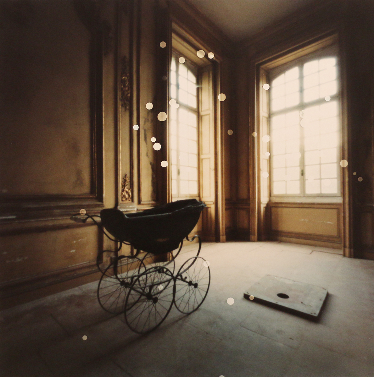 Chateau Buggy with Orbs, France (2016)